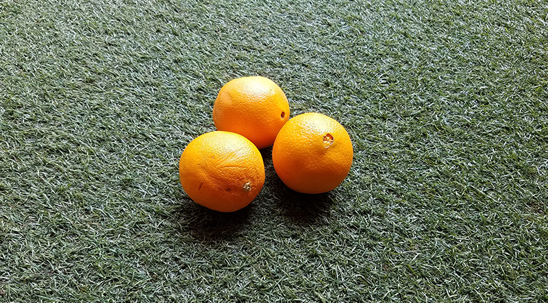3 oranges for juggling