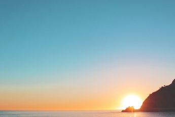 morning sunrise on the ocean